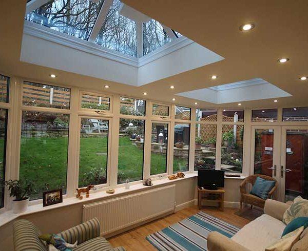نصب پنجره بر روی سقف منزل و یا محیط کار