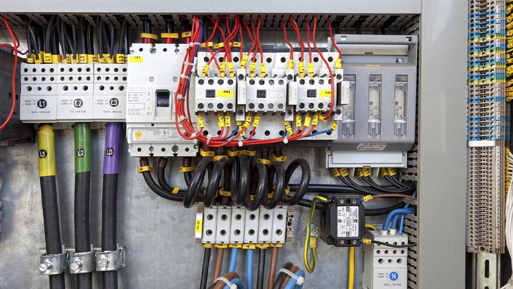 خدمات تابلو برق سه فاز